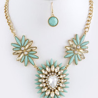 Flower Burst Statement necklace - Hazel & Olive