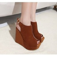 Wholesale The new tide wedges thick han edition of fish clasp mouth sandals CZ-0409 brown - Lovely Fashion