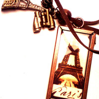 Eiffel Tower Paris Vintage Charm Necklace by Pendantmonium on Etsy