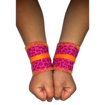 "Athletic / Crossfit Wrist Wraps ""Pink cheetah print with papaya trim"" KIDS size"