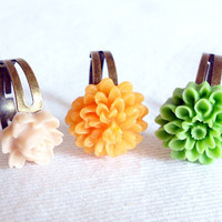 Vintage Inspired Shabby Chic Summer Lucite Flower Adjustable Ring Set of 3 by WilwarinDesigns