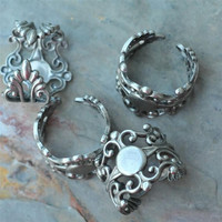 Flower  Filigree Ring Heavy Antique silver Purple stone