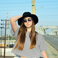 We The Free Womens We The Free Boxy Crop Stripe Tee - BLACK/WHITE STRIPE,