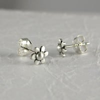 Tiny daisy stud earrings by StickManJewelry on Etsy