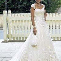 Buy Beautiful Elegant Tulle Ball Gown Queen Anne Wedding Dress In Great Handwork