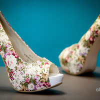 Shoes 4U Las Vegas - High Fashion, Chic, Fabulous, Fashionista, Flats & Sneakers, Boots, Flats, Sneakers, Heels, Wedges, Sandals, accessories, chains, necklaces, rings at a affordable price. | Page 7