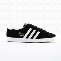 Adidas Gazelle Suede Trainers in Black - Urban Outfitters