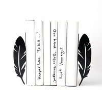 Bookends Feathers - perfect functional and trendy book organizer for your open book shelf black color