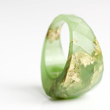 key lime gold ring size 8 round faceted eco resin ring featuring gold leaf flakes