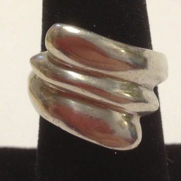Taxco Sterling Ring SIZE 7 Silver 925 Mexico Mexican 8.9 Grams Southwestern Jewelry Gift Vintage Chic Cocktail Boho Native Wavy Modernist