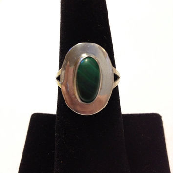 Navajo Malachite Ring Sterling Silver Size 8 Green Stone 925 Vintage Native American Southwestern Tribal Jewelry Gift Modernist Art Deco USA