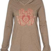 mendhi hands organic top