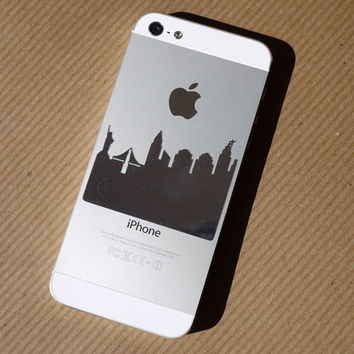 Mirror iPhone decal - New York Skyline with King Kong