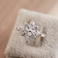 Women's Alloy Rhinestone Flower Shape Upper Design Slap-up Ring R0522