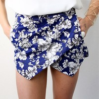 FLORAL BLUE AND WHITE PRINTS DOUBLE POINTY WRAP SKORT SHORTS 6 8 10 12