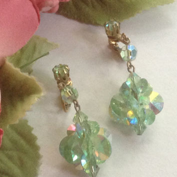 Aurora Borealis Dangling Earrings Vintage Mint Green Crystal Rhinestones Clip-ons Peridot gold tone Bride Wedding Prom Mother's Formal Gift
