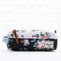 Herschel Settlement Pencil Case in Floral Print - Urban Outfitters