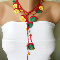 Red green and yellow and yellow bead flower Necklace by Periay