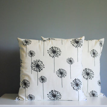 Black and White Decorative Pillow Covers // Spring and Summer Pillow Covers // Flower Pillows // Black and White Home Decor// Set of 2