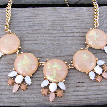 Golden Rays Necklace - Cream