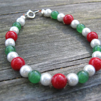 Christmas beaded bracelet with spring ring clasp