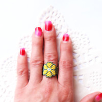 SALE - Peyote Ring, Flower Peyote Custom band ring, Handwoven Ring, Seed bead fashion jewelry for teens, girls -Lemon yellow, green, Lucky