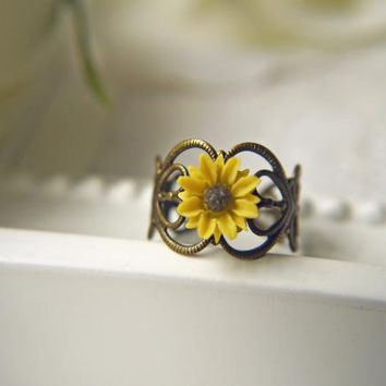I Heart Sunflower Ring. Bright Yellow Sunflower. Available In Antique Brass | Luulla