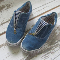Vintage blue jean tennis shoes // women's deck shoes // size 6.5