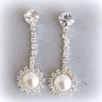 Swarovski crystal bridal earrings, dangle earrings, crystal and pearl, elegant Siggy design