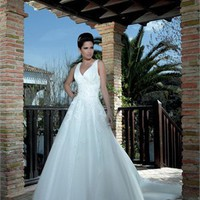 A line off-the-shoulder v-neck court train tulle/lace white wedding dresses MSKY003
