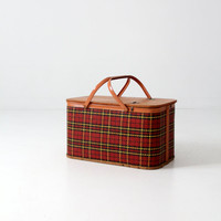 vintage Redmon picnic basket set / 1950s plaid basket with dishware