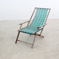 vintage deck chair / striped beach chair