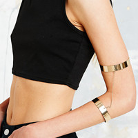 Double Arm Cuff in Gold - Urban Outfitters