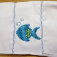 Teal Applique fish burp cloth with bubbles. The burp cloth can be personalized for and extra chargd.
