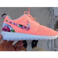 Nike Custom Women's Roshe Run