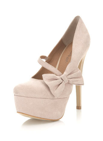 Saffi Cream Closed Toe Court - Miss Selfridge
