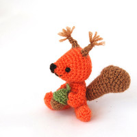 little squirrel doll, miniature chappie, small crochet wild animal, cute gift for children, toy for boys for girls, amigurumi squirrel acorn