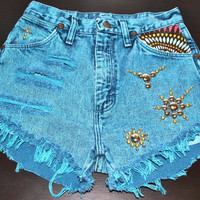 High waist Daisy Duke destroyed studded by VIntagedenimcorner