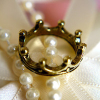 The Queen's Crown Ring | Trinkettes