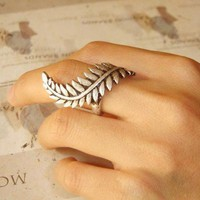 Antique Silver Leaf Cocktail Ring at Online Jewelry Store Gofavor