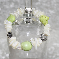 Green Magnesite and Mother of Pearl Stretch Bracelet, Elastic Bracelet, B117