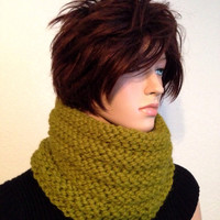 Chunky Knitted Neckwarmer/ Women's Hand Knit Winter Neck Warmer