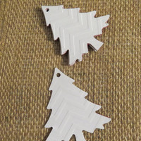 6 handmade christmas gift tags - embossed christmas trees - chevron design by partyparts