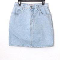 Vintage 90s Hipster Grunge // Guess High Waisted Denim Skirt // Light Medium Wash // Medium / Large