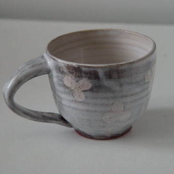 Rustic Clover Pattern Coffee Mug \ Tea Cup Large Handled 10 oz pottery, Milky White over Rust Brown, Wheel Thrown Pottery stoneware