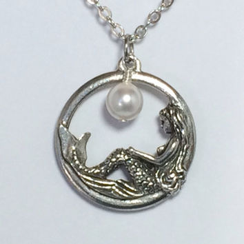 Mermaid Necklace Pearl Necklace Bridesmaid Gift Friendship Gift Mermaid Jewelry Bridesmaid Necklace Beach Jewelry