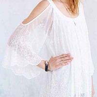 Ecote Boho Lace Cold Shoulder Tunic- Cream