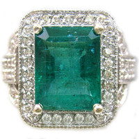 14k white gold green emerald and round cut diamonds ring by KNRINC