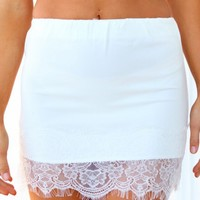 LOST SOUL SKIRT - white fitted skirt with lace trimming
