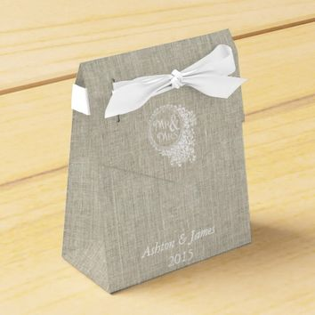 Linen Mr & Mrs Personalized Wedding Favor Box